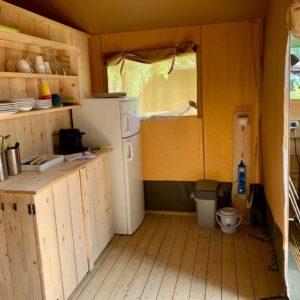 (lodge-tent-frigo)