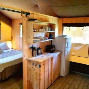 (lodge-tent-frigo2)